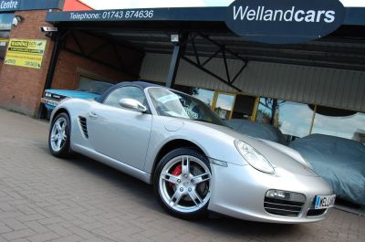 Porsche Boxster 3.2 S 2dr  (987) 3.2 - 6 Speed Manual, Lux Pack, F/S/H,Leather Convertible Petrol Arctic SilverPorsche Boxster 3.2 S 2dr  (987) 3.2 - 6 Speed Manual, Lux Pack, F/S/H,Leather Convertible Petrol Arctic Silver at Welland Cars Shrewsbury