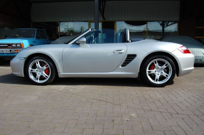 Porsche Boxster 3.2 S 2dr  (987) 3.2 - 6 Speed Manual, Lux Pack, F/S/H,Leather Convertible Petrol Arctic Silver