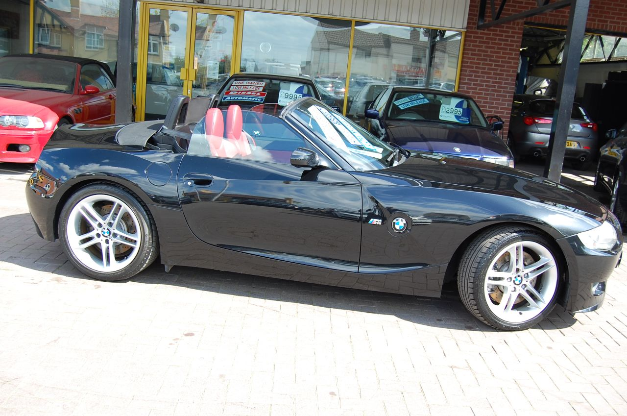 BMW Z4m 3.2 ROADSTER, GENUINE M POWER CAR, LOW MILES, BLACK- RED LEATHER Convertible Petrol Black at Welland Cars Shrewsbury