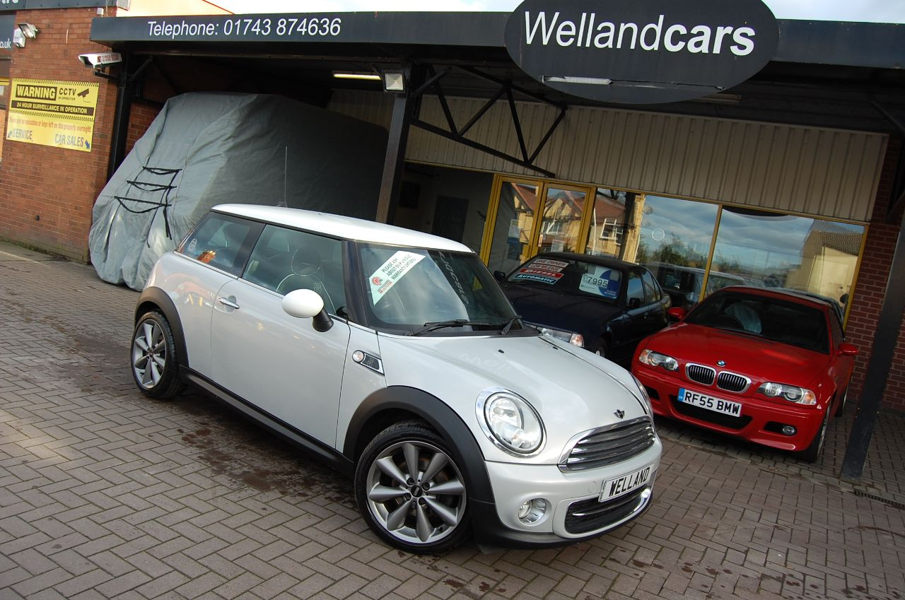 Mini Hatchback 1.6 COOPER LONDON 2012 3 DOOR 6 SPEED MANUAL FULL SERVICE HISTORY 1 OF 2012 MADE Hatchback Petrol Silver at Welland Cars Shrewsbury