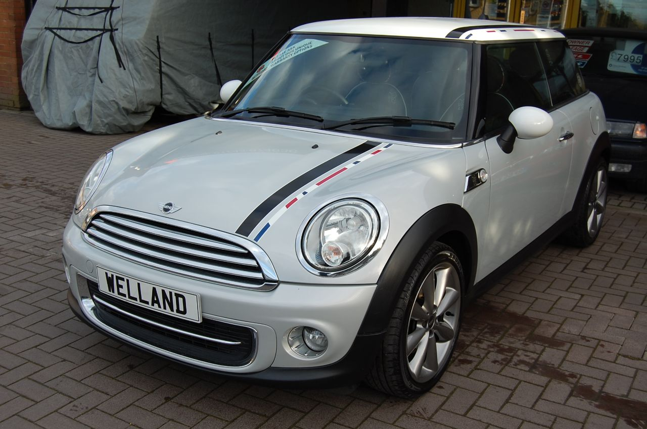 Mini Hatchback 1.6 COOPER # GENUINE LONDON EDITION # RARE COLLECTORS CAR - 1 OF 2012 MADE Hatchback Petrol Silver at Welland Cars Shrewsbury