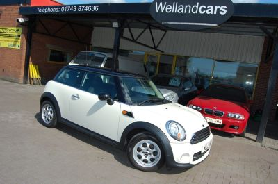 Mini Hatchback COOPER 'D' 1.6TD, WHITE 1 OWNER FULL S/HISTORY, £0 ROADTAX, VERY ECONOMICAL Hatchback Diesel WhiteMini Hatchback COOPER 'D' 1.6TD, WHITE 1 OWNER FULL S/HISTORY, £0 ROADTAX, VERY ECONOMICAL Hatchback Diesel White at Welland Cars Shrewsbury