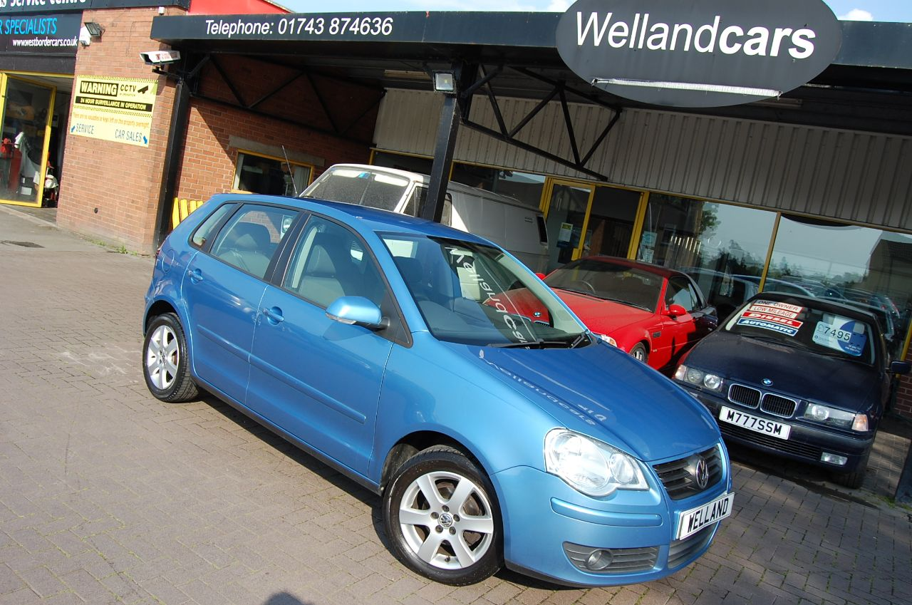 Volkswagen Polo 1.4 MATCH 5 DR 5 SPEED MANUAL ONLY 44,000 MILES SERVICE HISTORY Hatchback Petrol Blue at Welland Cars Shrewsbury