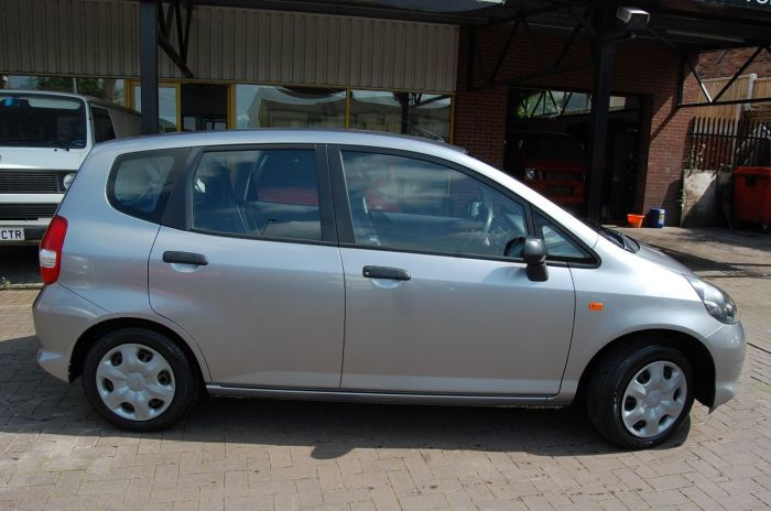 Honda Jazz 1.2i DSI S 5DR CHEAP TAX / INSURE, ULTRA RELIABLE, NEW MOT, NICE CAR Hatchback Petrol Silver