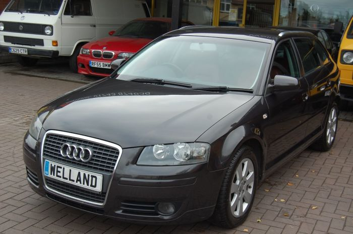 Audi A3 2.0TDI SPORT ONE OWNER FULL CORAL RED LEATHER SEATS CLIMATE CONTROL Hatchback Diesel Grey